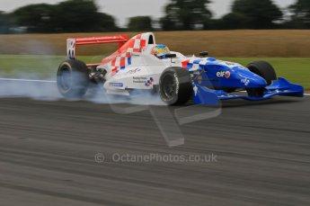 © Octane Photographic Ltd. 2011. Formula Renault 2.0 UK – Snetterton 300, Oliver Rowland - Fortec Motorsports. Saturday 6th August 2011. Digital Ref : 0122LW7D0174
