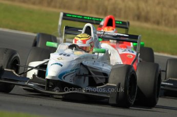 © Octane Photographic Ltd. 2011. Formula Renault 2.0 UK – Snetterton 300, Dan Wells - Atech Reid under pressure from Ed Jones - Fortec Competition. Sunday 7th August 2011. Digital Ref : 0123CB1D3772
