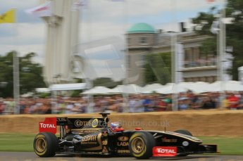 © Octane Photographic 2011. Goodwood Festival of Speed, Friday 1st July 2011. Renault R30 - Vilaty Petrov. Digital Ref : 0097LW7D8655
