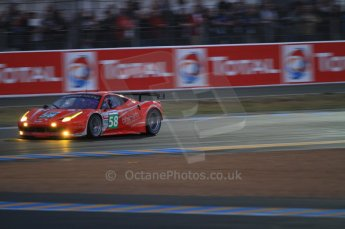 © Octane Photographic 2011. Le Mans night qualifying 9th June 2011. La Sarthe, France. Digital Ref : 0077CB7D0495