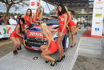 © Grize Motorsport 2011. WRC Portugal. Number 2 Citroen gets pampered. Digital Ref : 0048cam18441