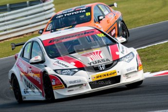 © Octane Photographic Ltd./Chris Enion. British Touring Car Championship – Round 6, Snetterton, Sunday 12th August 2012. Race 2. Gordon Shedden - Honda Yuasa Racing Team, Honda Civic and Frank Wrathall - Dynojet, Toyota Avensis. Digital Ref : 0456ce1d0218