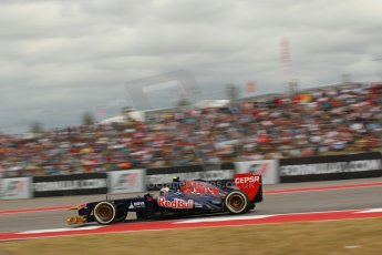 World © Octane Photographic Ltd. F1 USA GP, Austin, Texas, Circuit of the Americas (COTA), Saturday 16th November 2013 - Qualifying. Scuderia Toro Rosso STR 8 - Daniel Ricciardo. Digital Ref : 0858lw1d2069