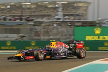 World © Octane Photographic Ltd. Friday 21st November 2014. Abu Dhabi Grand Prix - Yas Marina Circuit - Formula 1 Practice 2. Infiniti Red Bull Racing RB10 – Daniel Ricciardo. Digital Ref: 1161CB1D7172