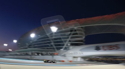 World © Octane Photographic Ltd. Friday 21st November 2014. Abu Dhabi Grand Prix - Yas Marina Circuit - Formula 1 Practice 2. Sahara Force India VJM07 – Sergio Perez. Digital Ref: 1161LB1D5282