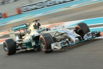 World © Octane Photographic Ltd. 2014 Formula 1 Abu Dhabi Grand Prix, F1 Qualifying, Saturday 22nd November 2014. Mercedes AMG Petronas F1 W05 - Lewis Hamilton. Digital Ref : 1166CB1D8292