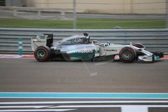 World © Octane Photographic Ltd. Saturday 22nd November 2014. Abu Dhabi Grand Prix - Yas Marina Circuit - Formula 1 Qualifying. Mercedes AMG Petronas F1 W05 – Lewis Hamilton. Digital Ref: 1166LB1D0830