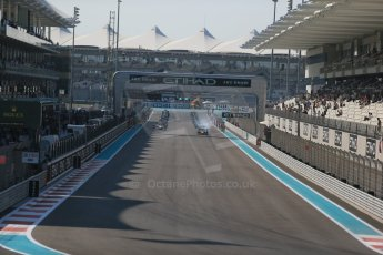 World © Octane Photographic Ltd. Sunday 23rd November 2014. GP2 Race 2 – Abu Dhabi GP - Yas Marina Circuit, United Arab Emirates. Race start. Digital Ref :1170CB1D6875
