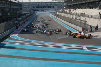 World © Octane Photographic Ltd. Sunday 23rd November 2014. GP2 Race 2 – Abu Dhabi GP - Yas Marina Circuit, United Arab Emirates. Race start action. Digital Ref :1170CB1D6964