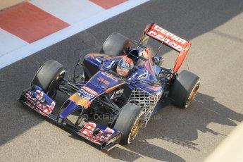 World © Octane Photographic Ltd. Tuesday 25th November 2014. Abu Dhabi Testing - Yas Marina Circuit. Scuderia Toro Rosso STR9 – Max Verstappen. Digital Ref: 1174CB1D8028