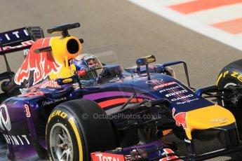 World © Octane Photographic Ltd. Wednesday 26th November 2014. Abu Dhabi Testing - Yas Marina Circuit. Infiniti Red Bull Racing RB10 – Daniel Ricciardo. Digital Ref: 1175CB1D9084