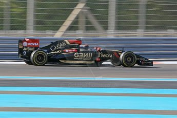 World © Octane Photographic Ltd. Wednesday 26th November 2014. Abu Dhabi Testing - Yas Marina Circuit. Lotus F1 Team E22 – Alex Lynn. Digital Ref: 1175CB1D9529