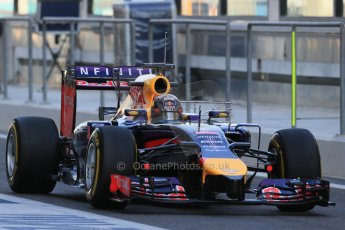 World © Octane Photographic Ltd. Wednesday 26th November 2014. Abu Dhabi Testing - Yas Marina Circuit. Infiniti Red Bull Racing RB10 – Daniel Ricciardo. Digital Ref: 1175LB1D8434