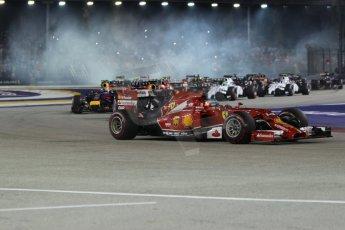 World © Octane Photographic Ltd. Sunday 21st September 2014, Singapore Grand Prix, Marina Bay. - Formula 1 Race start lap 1. Digital Ref: 1127CB1D1196