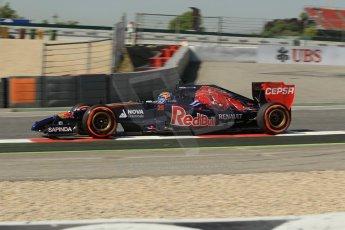 World © Octane Photographic Ltd. Friday 9th May 2014. Circuit de Catalunya - Spain - Formula 1 Practice 1 pitlane. Scuderia Toro Rosso STR9 - Jean-Eric Vergne. Digital Ref: