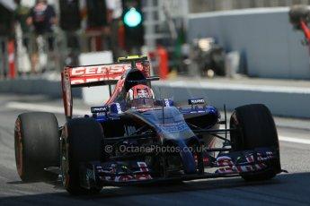 World © Octane Photographic Ltd. Friday 9th May 2014. Circuit de Catalunya - Spain - Formula 1 Practice 2 pitlane. Scuderia Toro Rosso STR 9 – Daniil Kvyat. Digital Ref: