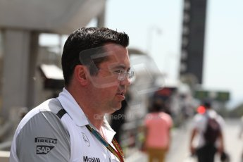 World © Octane Photographic Ltd. Saturday 10th May 2014. Circuit de Catalunya - Spain - Formula 1 Qualifying. McLaren Mercedes MP4/29 - Eric Boullier  on the pit wall. Digital Ref: 0936cb7d0044