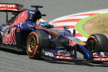 World © Octane Photographic Ltd. Saturday 10th May 2014. Circuit de Catalunya - Spain - Formula 1 Qualifying. Scuderia Toro Rosso STR9 - Jean-Eric Vergne. Digital Ref: 0936lb1d7580