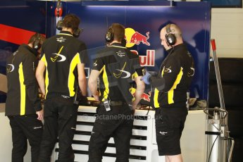 World © Octane Photographic Ltd. World Series by Renault collective test, Jerez de la Frontera, March 24th 2014. DAMS pit crew in garage. Digital Ref : 0897cb1d4715
