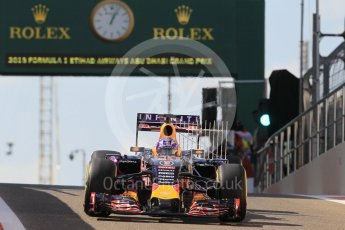 World © Octane Photographic Ltd. Infiniti Red Bull Racing RB11 – Daniel Ricciardo. Friday 27th November 2015, F1 Abu Dhabi Grand Prix, Practice 1, Yas Marina. Digital Ref: 1477CB1L5105