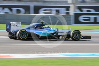 World © Octane Photographic Ltd. Mercedes AMG Petronas F1 W06 Hybrid – Nico Rosberg. Friday 27th November 2015, F1 Abu Dhabi Grand Prix, Practice 1, Yas Marina. Digital Ref: 1477CB1L5287