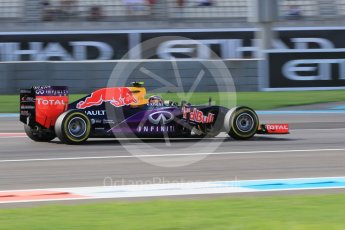 World © Octane Photographic Ltd. Infiniti Red Bull Racing RB11 – Daniil Kvyat. Friday 27th November 2015, F1 Abu Dhabi Grand Prix, Practice 1, Yas Marina. Digital Ref: 1477CB1L5305