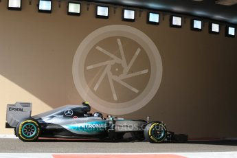 World © Octane Photographic Ltd. Mercedes AMG Petronas F1 W06 Hybrid – Nico Rosberg. Friday 27th November 2015, F1 Abu Dhabi Grand Prix, Practice 1, Yas Marina. Digital Ref: 1477CB7D1674