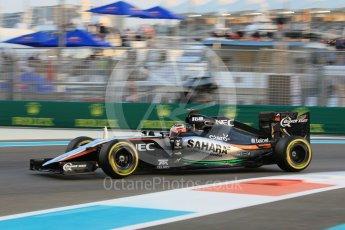 World © Octane Photographic Ltd. Sahara Force India VJM08B – Nico Hulkenberg. Friday 27th November 2015, F1 Abu Dhabi Grand Prix, Practice 2, Yas Marina. Digital Ref: 1478CB1L5744