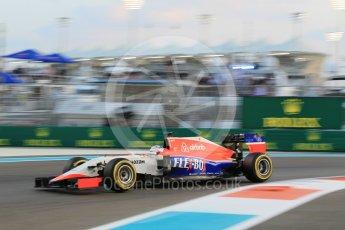 World © Octane Photographic Ltd. Manor Marussia F1 Team MR03B – William Stevens. Friday 27th November 2015, F1 Abu Dhabi Grand Prix, Practice 2, Yas Marina. Digital Ref: 1478CB1L5775