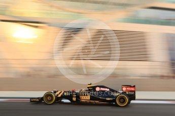 World © Octane Photographic Ltd. Lotus F1 Team E23 Hybrid – Pastor Maldonado. Friday 27th November 2015, F1 Abu Dhabi Grand Prix, Practice 2, Yas Marina. Digital Ref: 1478CB7D1799