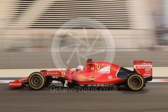 World © Octane Photographic Ltd. Scuderia Ferrari SF15-T– Sebastian Vettel. Friday 27th November 2015, F1 Abu Dhabi Grand Prix, Practice 2, Yas Marina. Digital Ref: 1478CB7D1906