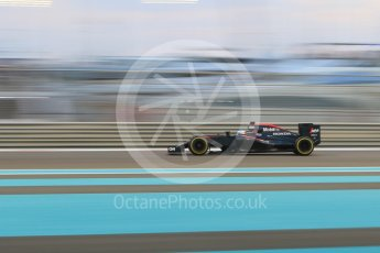 World © Octane Photographic Ltd. McLaren Honda MP4/30 – Fernando Alonso. Friday 27th November 2015, F1 Abu Dhabi Grand Prix, Practice 2, Yas Marina. Digital Ref: 1478CB7D1940
