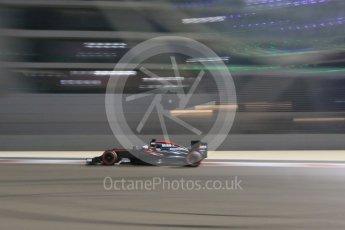 World © Octane Photographic Ltd. McLaren Honda MP4/30 – Fernando Alonso. Friday 27th November 2015, F1 Abu Dhabi Grand Prix, Practice 2, Yas Marina. Digital Ref: 1478CB7D2387