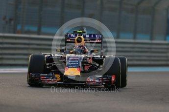 World © Octane Photographic Ltd. Infiniti Red Bull Racing RB11 – Daniil Kvyat. Friday 27th November 2015, F1 Abu Dhabi Grand Prix, Practice 2, Yas Marina. Digital Ref: 1478LB1D7079
