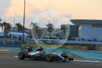 World © Octane Photographic Ltd. Mercedes AMG Petronas F1 W06 Hybrid – Lewis Hamilton. Friday 27th November 2015, F1 Abu Dhabi Grand Prix, Practice 2, Yas Marina. Digital Ref: 1478LB5D4120
