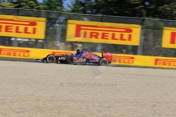 World © Octane Photographic Ltd. Scuderia Toro Rosso STR10 – Max Verstappen Friday 13th March 2015, F1 Australian GP Practice 1, Melbourne, Albert Park, Australia. Digital Ref: 1200LW1L5775