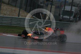 World © Octane Photographic Ltd. Infiniti Red Bull Racing RB11 – Daniel Ricciardo. Sunday 25th October 2015, F1 USA Grand Prix Qualifying, Austin, Texas - Circuit of the Americas (COTA). Digital Ref: 1464LB1D0990