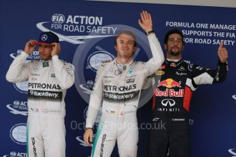 World © Octane Photographic Ltd. Mercedes AMG Petronas F1 W06 Hybrid – Nico Rosberg, followed by team mate Lewis Hamilton and  Infiniti Red Bull Racing RB11 – Daniel Ricciardo. Sunday 25th October 2015, F1 USA Grand Prix Qualifying, Austin, Texas - Circuit of the Americas (COTA). Digital Ref: 1464LB1D1320