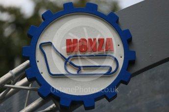 World © Octane Photographic Ltd. Monza badge. Digital Ref: 1400LB5D8138