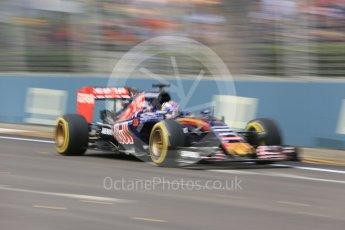 World © Octane Photographic Ltd. Scuderia Toro Rosso STR10 – Max Verstappen. Friday 18th September 2015, F1 Singapore Grand Prix Practice 1, Marina Bay. Digital Ref: