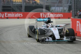 World © Octane Photographic Ltd. Mercedes AMG Petronas F1 W06 Hybrid – Lewis Hamilton. Friday 18th September 2015, F1 Singapore Grand Prix Practice 1, Marina Bay. Digital Ref: