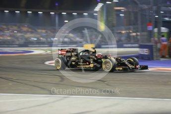 World © Octane Photographic Ltd. Lotus F1 Team E23 Hybrid – Romain Grosjean. Friday 18th September 2015, F1 Singapore Grand Prix Practice 2, Marina Bay. Digital Ref: 1429CB5D0281