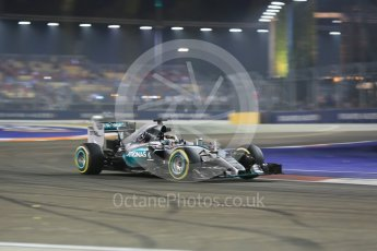 World © Octane Photographic Ltd. Mercedes AMG Petronas F1 W06 Hybrid – Lewis Hamilton. Friday 18th September 2015, F1 Singapore Grand Prix Practice 2, Marina Bay. Digital Ref: 1429CB5D0328