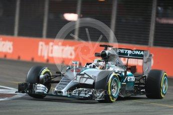 World © Octane Photographic Ltd. Mercedes AMG Petronas F1 W06 Hybrid – Lewis Hamilton. Friday 18th September 2015, F1 Singapore Grand Prix Practice 2, Marina Bay. Digital Ref: 1429LB1D6025