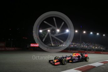World © Octane Photographic Ltd. Infiniti Red Bull Racing RB11 – Daniel Ricciardo. Friday 18th September 2015, F1 Singapore Grand Prix Practice 2, Marina Bay. Digital Ref: 1429LB1D6191