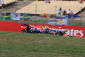 World © Octane Photographic Ltd. Infiniti Red Bull Racing RB11 – Daniel Ricciardo. Saturday 9th May 2015, F1 Spanish GP Qualifying, Circuit de Barcelona-Catalunya, Spain. Digital Ref: 1257LW1L7878