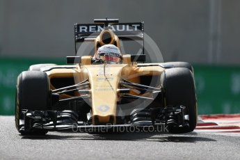 World © Octane Photographic Ltd. Renault Sport F1 Team RS16 - Kevin Magnussen. Friday 25th November 2016, F1 Abu Dhabi GP - Practice 1, Yas Marina circuit, Abu Dhabi. Digital Ref : 1756LB1D8001