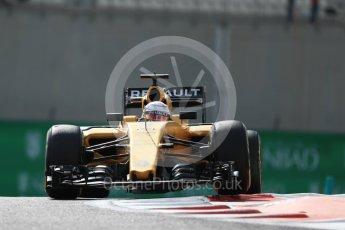 World © Octane Photographic Ltd. Renault Sport F1 Team RS16 - Kevin Magnussen. Friday 25th November 2016, F1 Abu Dhabi GP - Practice 1, Yas Marina circuit, Abu Dhabi. Digital Ref : 1756LB1D8239