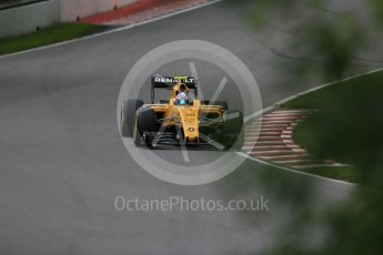 World © Octane Photographic Ltd. Renault Sport F1 Team RS16 – Jolyon Palmer. Friday 10th June 2016, F1 Canadian GP Practice 1, Circuit Gilles Villeneuve, Montreal, Canada. Digital Ref : 1586LB1D9708