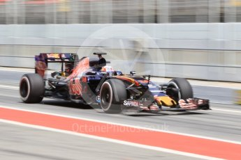 World © Octane Photographic Ltd. Scuderia Toro Rosso STR11 – Pierre Gasly. Tuesday 17th May 2016, F1 Spanish GP In-season testing, Circuit de Barcelona Catalunya, Spain. Digital Ref :1555CB1D3305